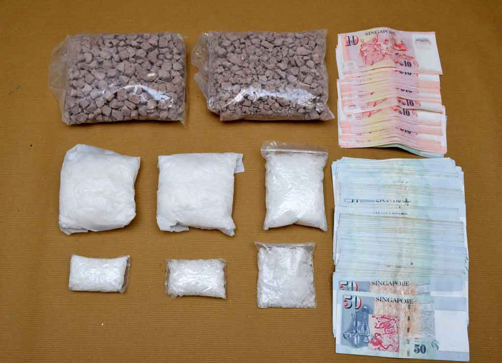 Photo-2 : Drugs and cash seized in CNB operation on 6-Oct 2015