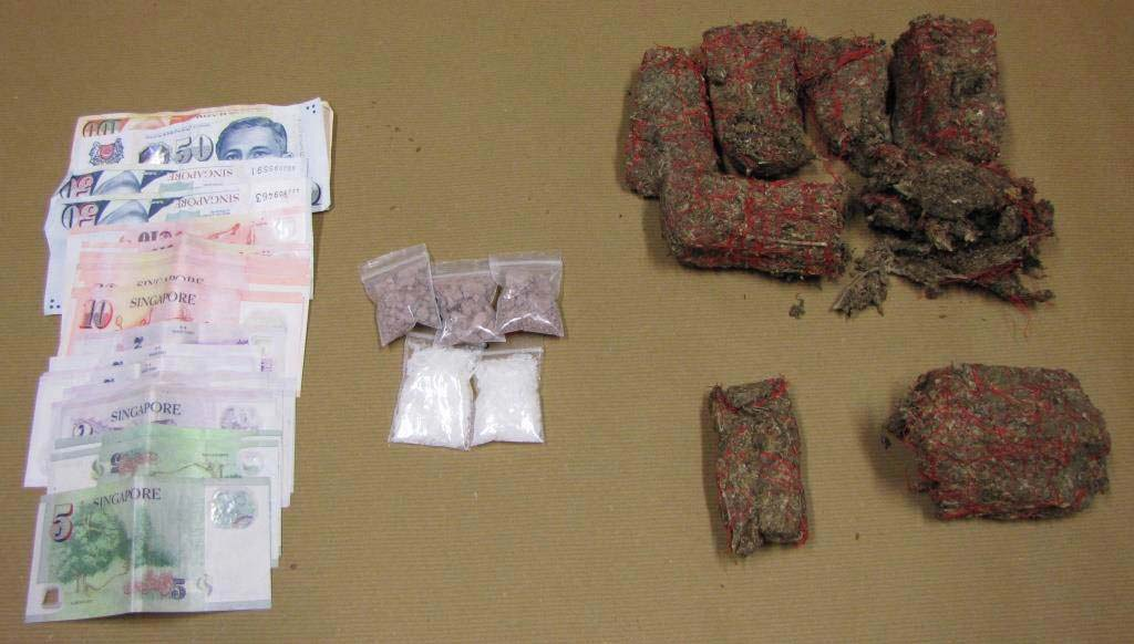Heroin and cash seized in CNB operation on 24 March 2016